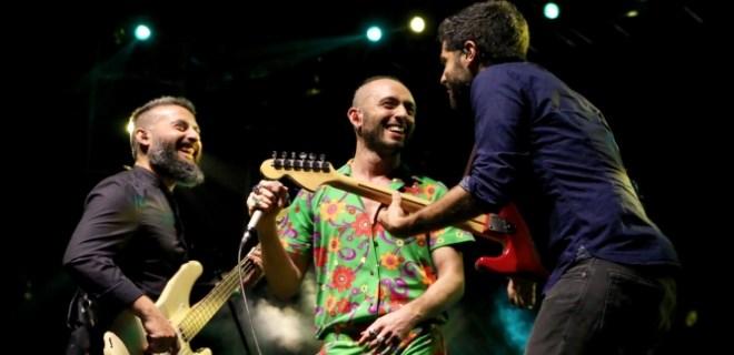 Mabel Matiz İzmir Fuarı'nda konser verdi