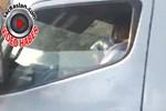 Sürücü direksiyon başında uyuşturucu kullandı!