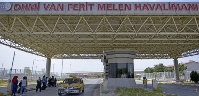 Van Ferit Melen Havalimanı'nda yangın!