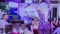 Adnan Oktar'ı mest eden dans