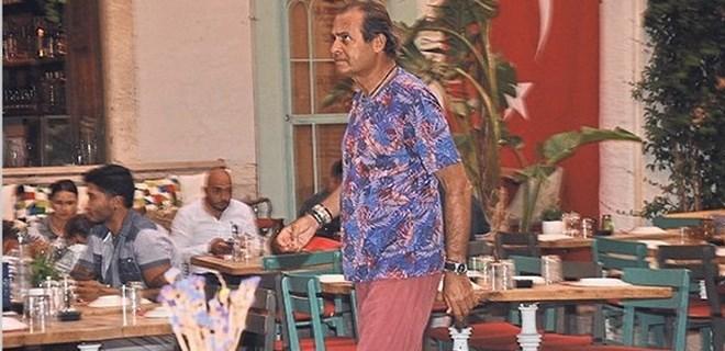 Ayhan Sicimoğlu Alaçatı'yı tercih etti