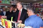 Cumhurbaşkanı Erdoğan Trabzon'da market alışverişi yaptı
