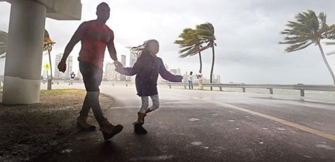 Irma Kasırgası'nda '50 Türk kayıp' iddiası!..