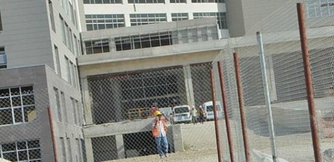 Asansör boşluğuna düşen tekniker öldü