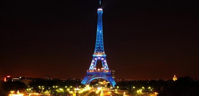Masum yüzlü eski model kocasını Paris'te aldattı!