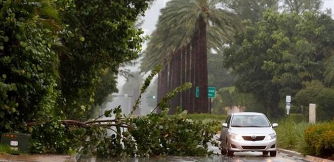 ABD'yi vuran Irma Kasırgasında 55 kişi öldü!