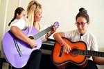 Şarkıcı Zeynep öğretmen oldu