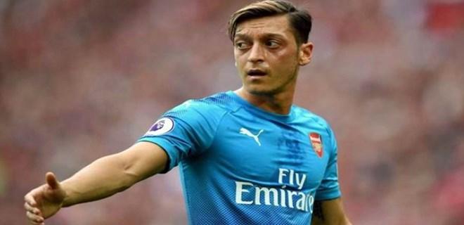 Mesut Özil çok fena patladı!