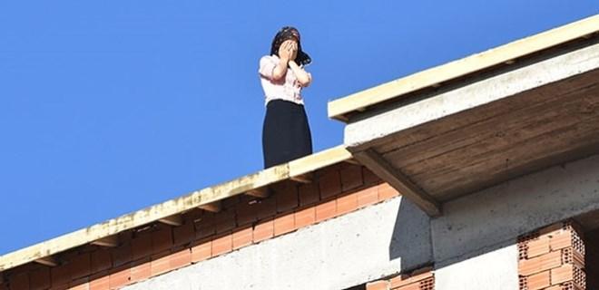 Nikahsız eşinden hamile kalınca çatıya çıktı!