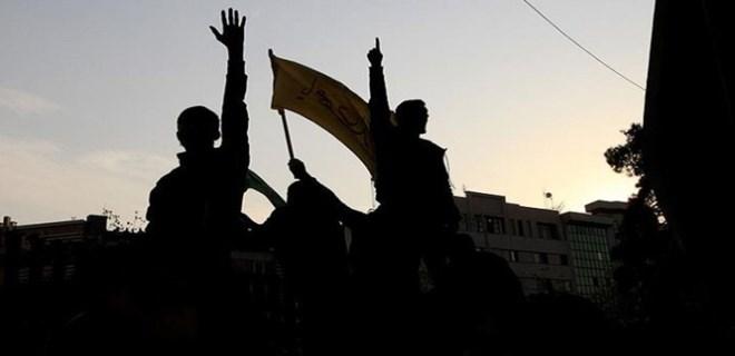 İran'da göstericiler polisin üzerine ateş açtı!