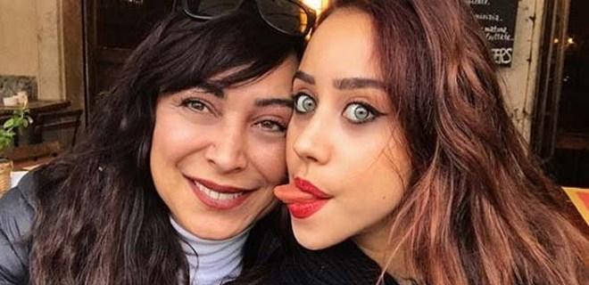 Zeynep Alkan'dan anne-kız pozu