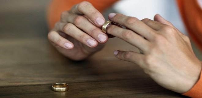 'Erkek gibisin' diyen kocasını boşuyor!