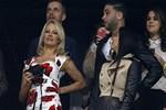 Pamela Anderson'dan genç sevgilisine destek!