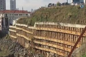 Ataşehir Belediyesi'nin otoparkında göçük meydana geldi
