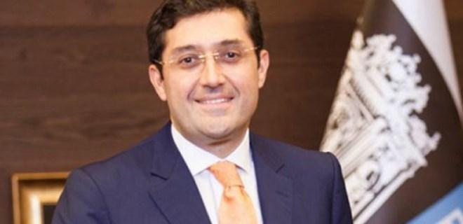 Beşiktaş Belediye Başkanı'nın eşi ve oğluna yurt dışına çıkış yasağı konuldu
