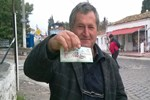 Biletine büyük ikramiye çıkmadı ama çok sevindi!