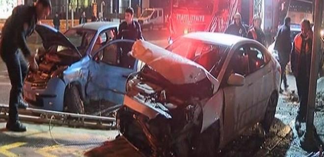 Vatan Caddesi'nde trafiği kilitleyen kaza!
