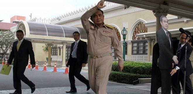 Tayland Başbakanı Prayut'tan gazetecilere ilginç tavır