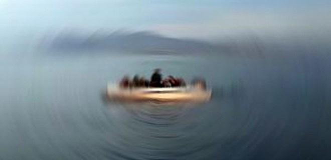 Karaburun açıklarında mülteci teknesi battı!
