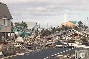Micheal Kasırgası arkasında hayalet bir şehir bıraktı