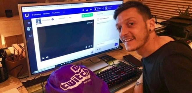 Mesut Özil'den 'Twitch' atağı!