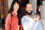 Berkay'dan eşine sürpriz doğum günü