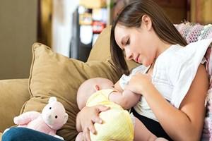 En iyi bebek besini ilk 6 ay sadece anne sütü