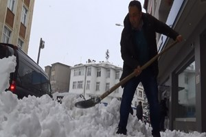 Kars'a yarım metre kar yağdı!