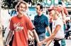 Justin Bieber, Hailey Baldwind'le magazinciler tarafından yolda yürürken çekilen bir fotoğrafını...