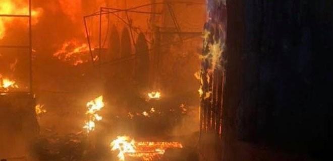 200 yıllık Tarihi Osmanlı Çarşısı alev alev yandı
