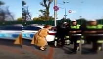 Polis çevirmesine takılan kadın öğretmen çığlık attı