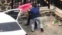 İzmir'de bir kadının şiddet gördüğü korkunç anlar kamerada