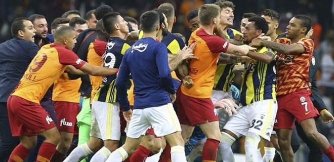 Galatasaray'dan yabancı hakem önerisi