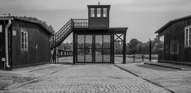 94 yaşındaki Nazi gardiyanı yargılanıyor