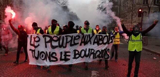 Flaş!.. Paris dumanlar altında!