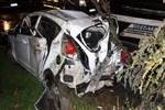 Feci kazada araç hurdaya döndü!