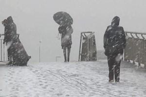İstanbul'da aniden kar yağışı başladı!