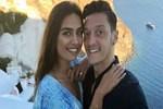 Mesut Özil ile Amine Gülşe aşkında beklenmeyen gelişme