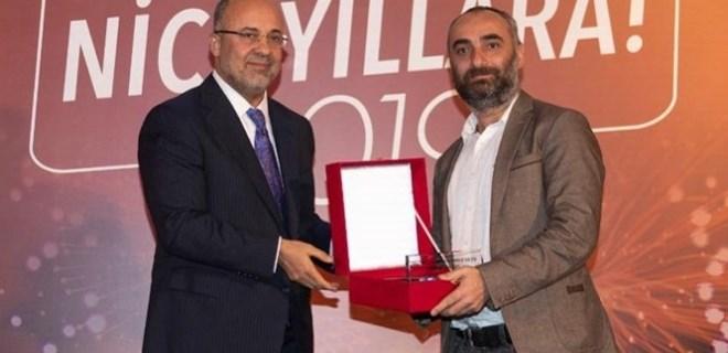 İsmail Saymaz'a ''En çok konuşulan haber'' ödülü!