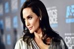 Angelina Jolie siyasete atılma sinyali verdi