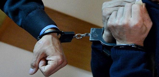 Antalya'da 27 suçtan aranan 2 kardeş yakalandı