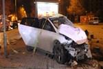 Göreve giden polis aracı ile otomobil çarpıştı!