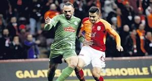 Ozan Kabak'a yakın takip!