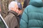 Sarıyer'de yaşlı adama vicdansız gasp!