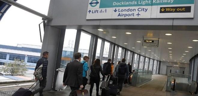 Londra'da havalimanında bomba paniği!