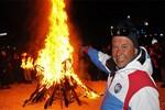 Federasyona kızıp, kayak takımlarını yaktılar!