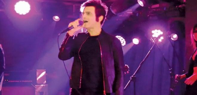 Teoman, şarkılarıyla Bursa'yı ısıttı