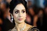 Ünlü Bollywood yıldızı küvette boğularak can verdi!