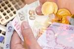 Türk halkı parasını da evde saklıyor