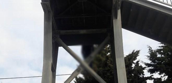 Köprüye asılı İranlı bir kişinin cesedi bulundu!